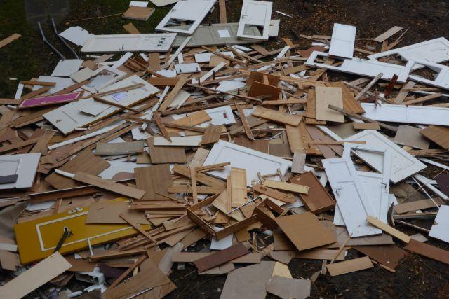 ausgebaute Materialien Innenhof kl